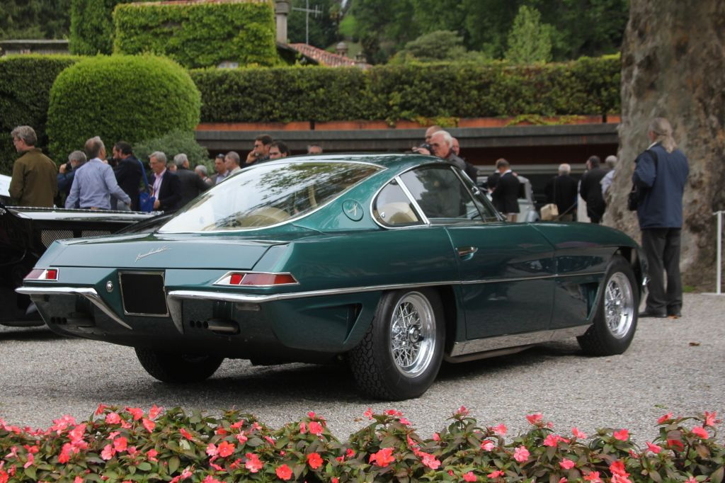 http://autopublishers.com/WebSites/1381/Images/Blogs/1527/1963-Lamborghini-350-GTV-rear.jpg