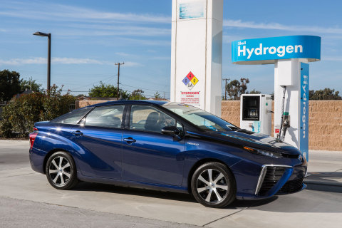 Toyota Mirai Debuts in Eight California Dealerships This October