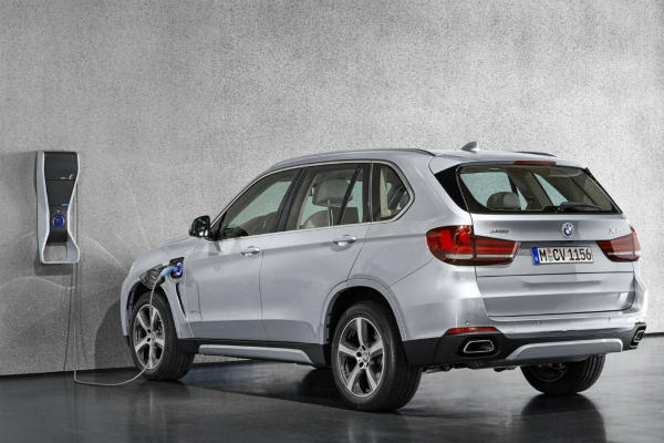 Plug-in Hybrid SAV Race: BMW X5