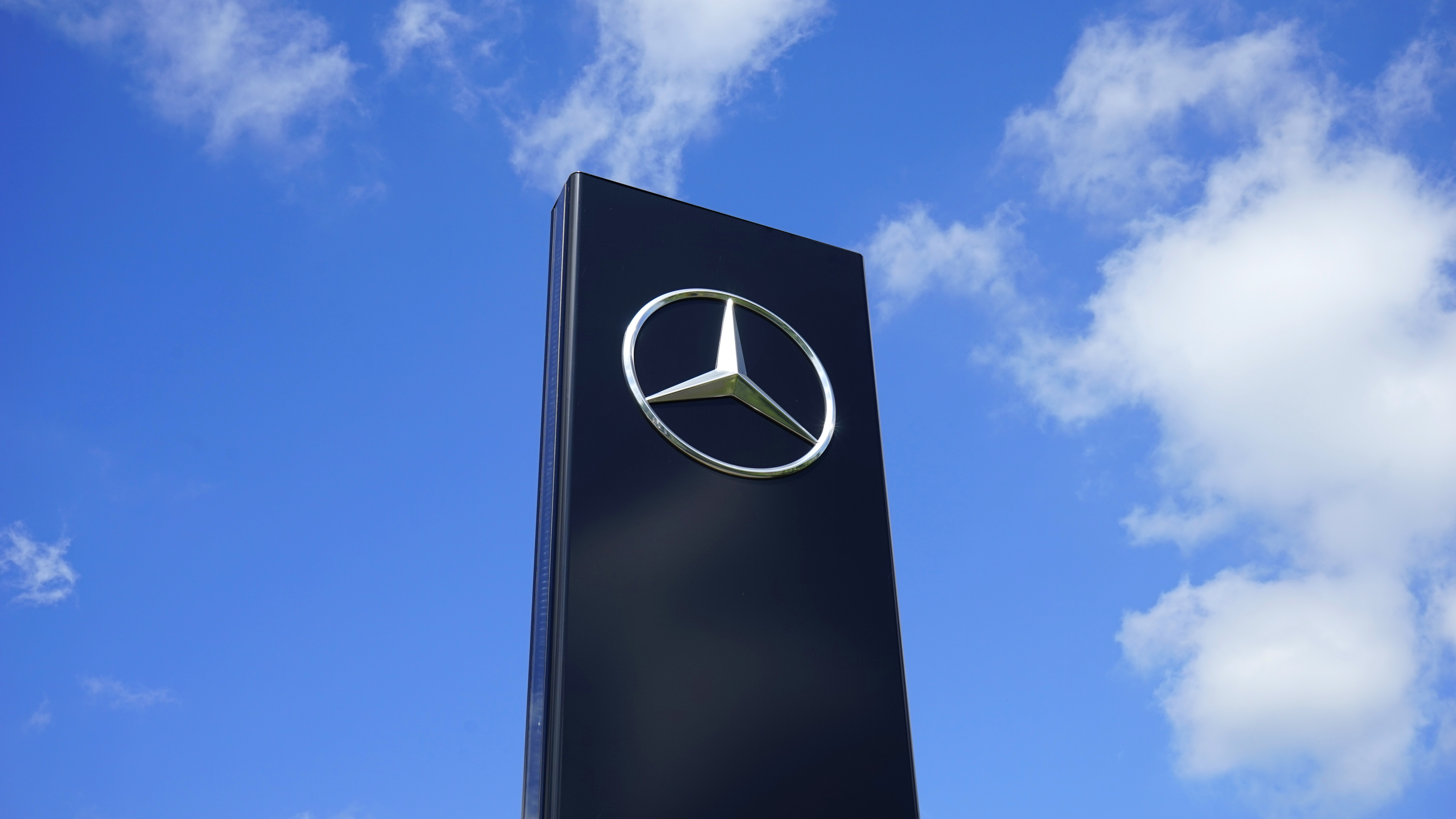 Mercedes Opens R&D Center in Tel Aviv