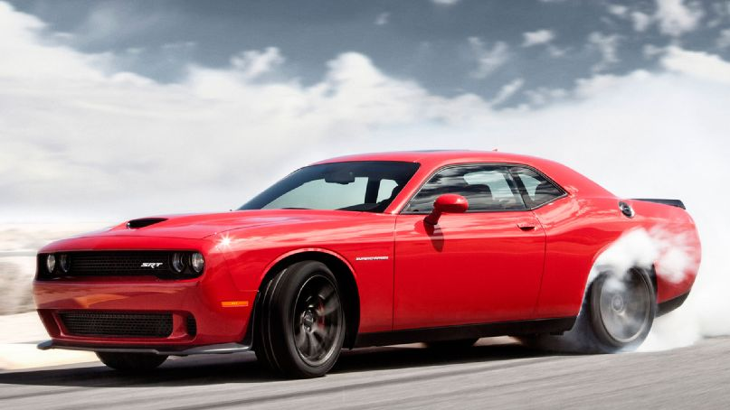 2015 Dodge Challenger SRT Hellcat Puts Out 707 HP!