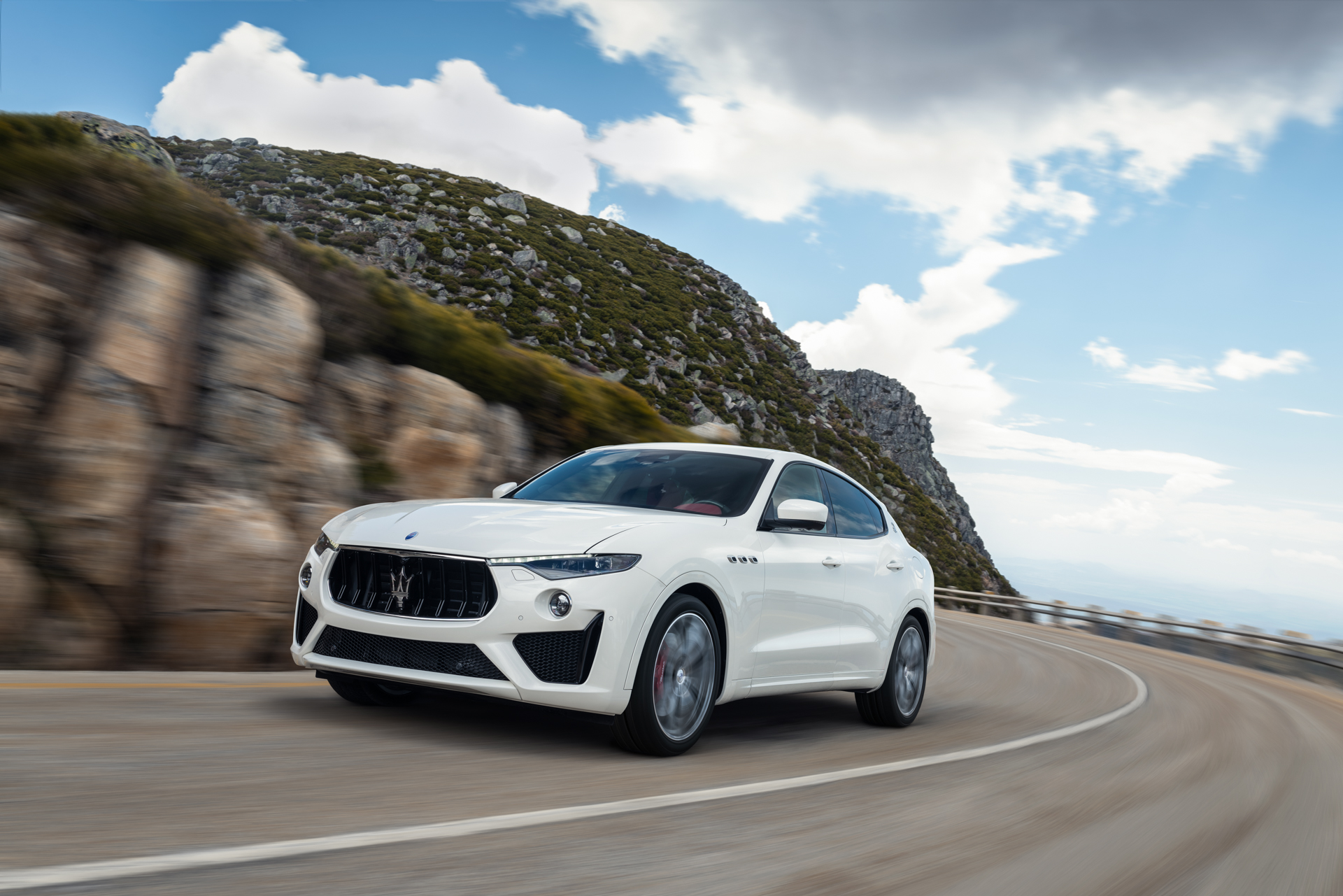 A First Look at the 2019 Maserati Levante