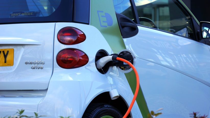 More Americans are Warming up to Electric Vehicles