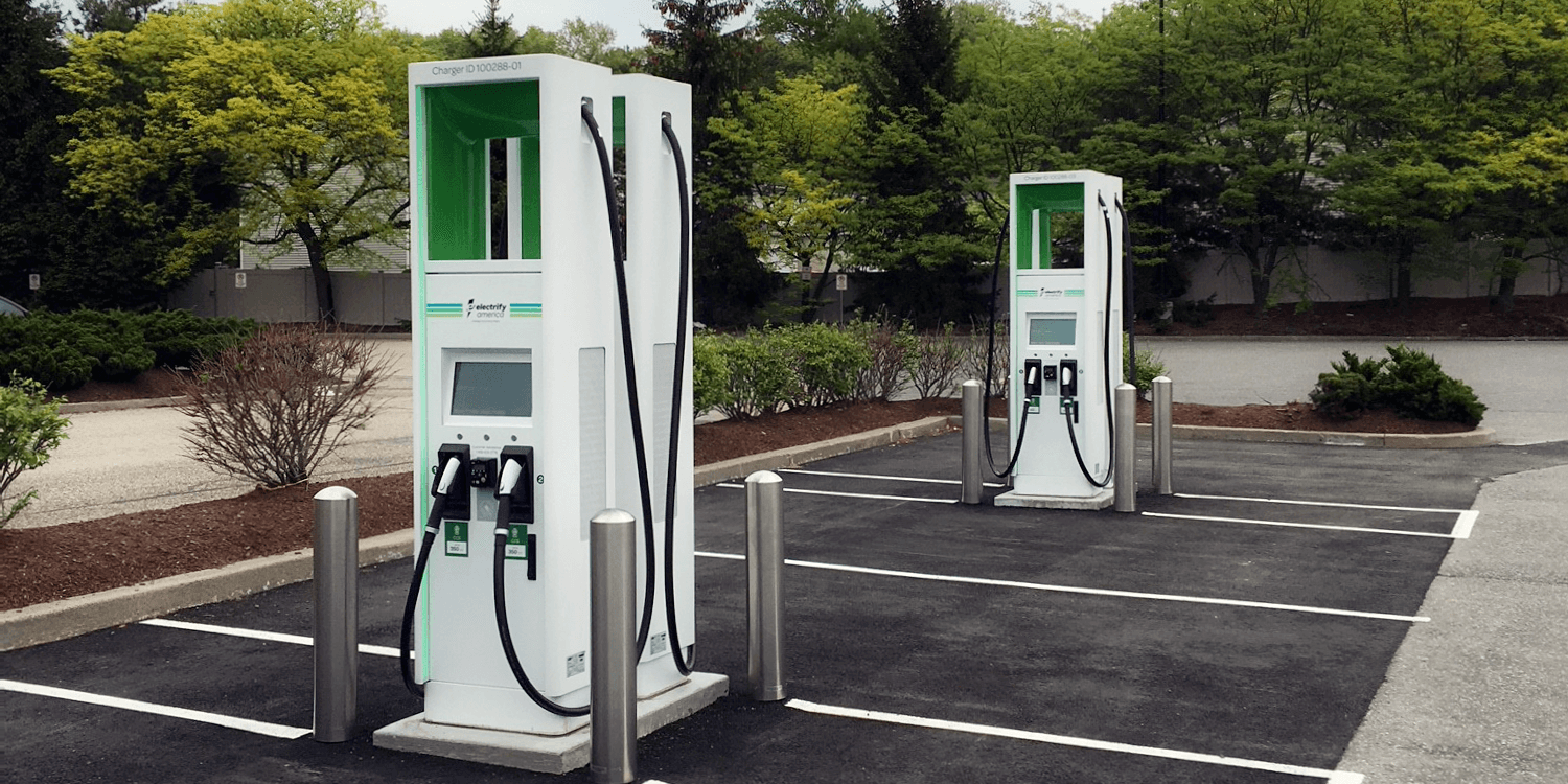 Switching Between Electric Car Charging Networks Becomes Easier in America